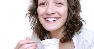 beneficios-yogur-lactosa-intolerancia