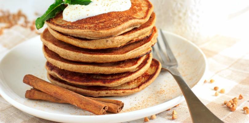Sugar free buckwheat pancakes with yogurt topping