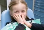 The-little-girl-afraid-in-the-dental-clinic