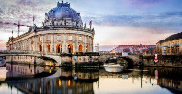 YINI-symposium-events-berlin-lifestyle