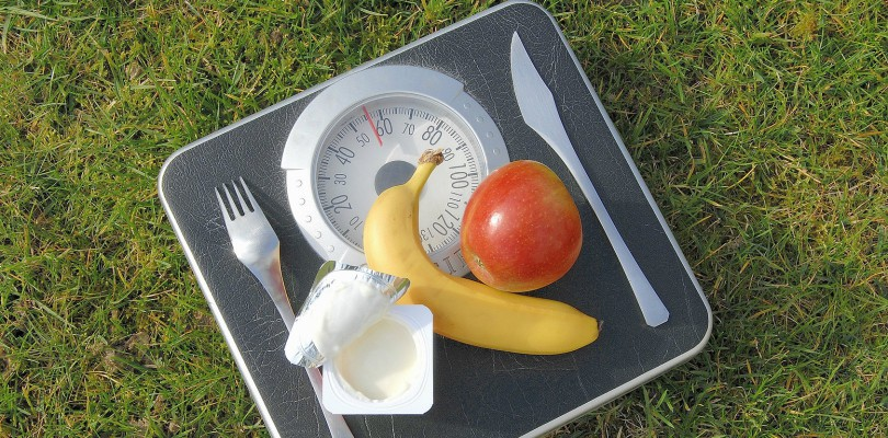 Increased dairy consumption associated with body weight reduction