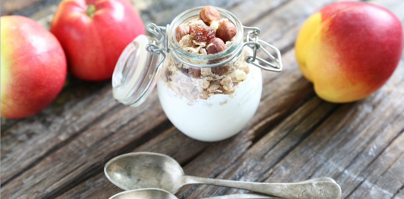 Yogurt: accumulated evidences about a signature of a healthy diet