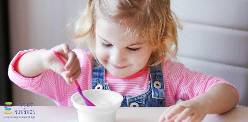 yogurt as a way to introduce healthy eating habits in children