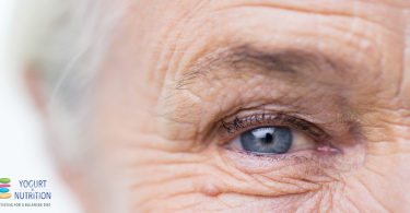 Set your sights on a regular yogurt consumption… to keep cataracts at bay?